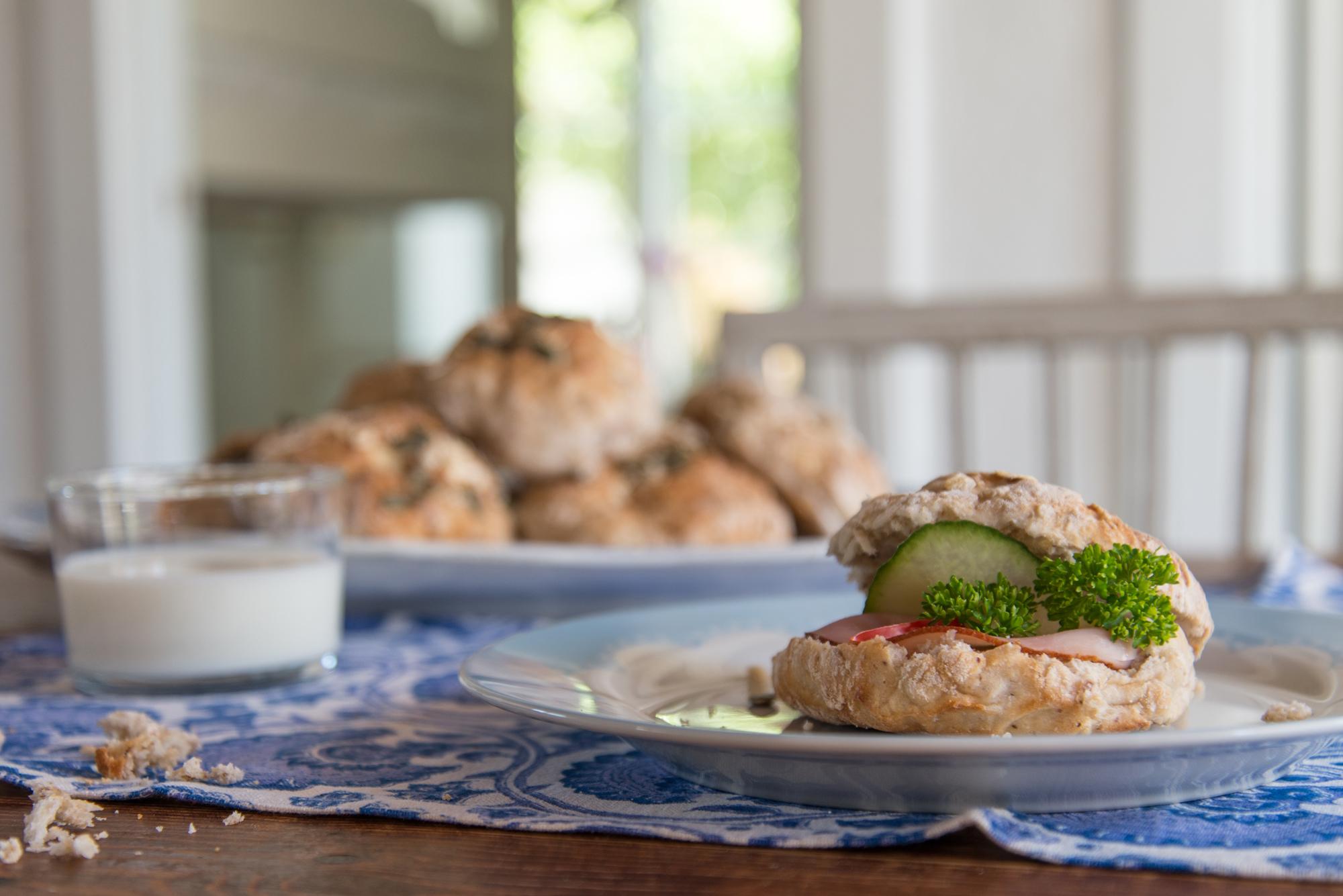 Recipes:Bake your breakfast bread rolls
